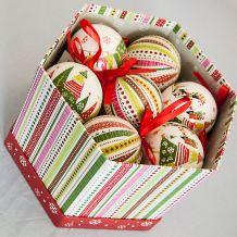 Karácsonyi gömbdísz 75 mm 14 db hatszög alakú dobozban KCG 079